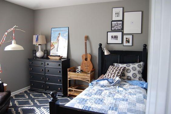 a boy room decor